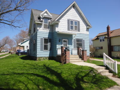 Manistee Single Family Home For Sale: 270 Fifth Street