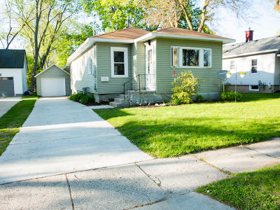 Rockford Single Family Home For Sale: 313 Lewis Street