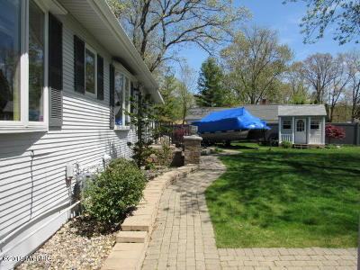 Battle Creek Single Family Home For Sale: 291 Carpenter Drive