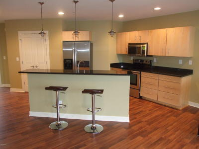 St. Joseph Condo/Townhouse For Sale: 1221 Broad Street #10