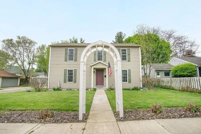 St. Joseph Single Family Home For Sale: 847 Kingsley Avenue