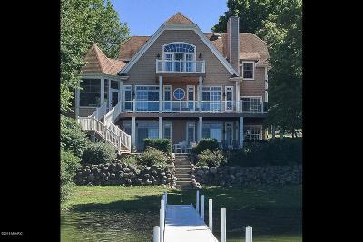 Single Family Home For Sale: 11272 Oak Avenue