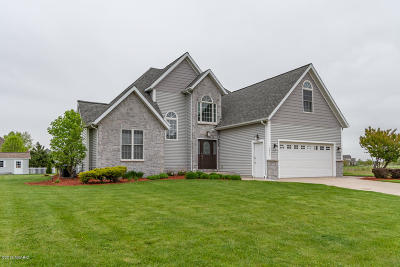 Single Family Home For Sale: 2025 Joni Lane