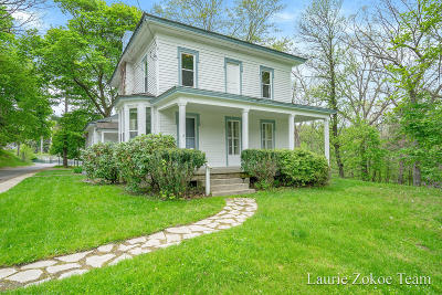 Single Family Home For Sale: 211 W Union Street