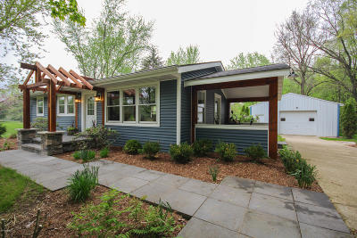 St. Joseph County Single Family Home For Sale: 13240 Broadway Road
