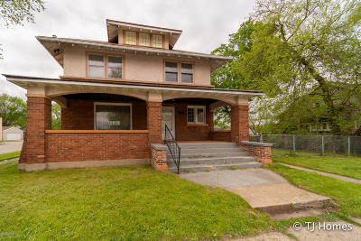 Wyoming Single Family Home For Sale: 1513 Godfrey Avenue SW