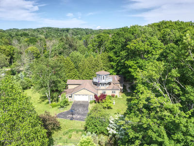 Single Family Home For Sale: 2972 Thirteen Mile Road