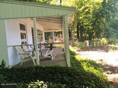 Single Family Home For Sale: 63584 Ridge Avenue