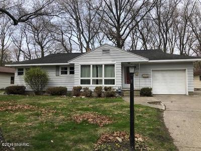 Muskegon County Single Family Home For Sale: 3048 Beach Street