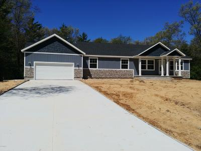 Muskegon Single Family Home For Sale: 3023 Angelwood Drive