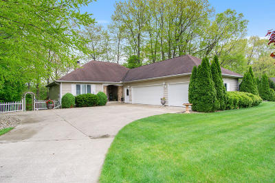 Niles Single Family Home For Sale: 1589 Riverside Road