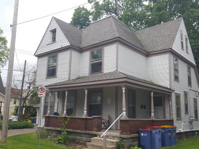 Clinton County, Gratiot County, Isabella County, Kent County, Mecosta County, Montcalm County, Muskegon County, Newaygo County, Oceana County, Ottawa County, Ionia County, Ingham County, Eaton County, Barry County, Allegan County Multi Family Home For Sale: 225 Oakley Place NE