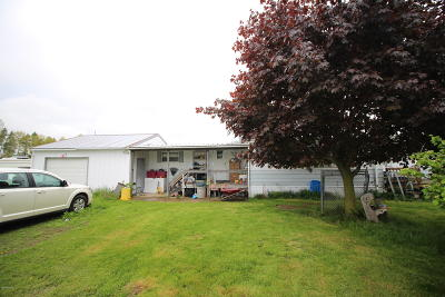 Clinton County, Gratiot County, Isabella County, Kent County, Mecosta County, Montcalm County, Muskegon County, Newaygo County, Oceana County, Ottawa County, Ionia County, Ingham County, Eaton County, Barry County, Allegan County Single Family Home For Sale: 13157 S Mason Drive