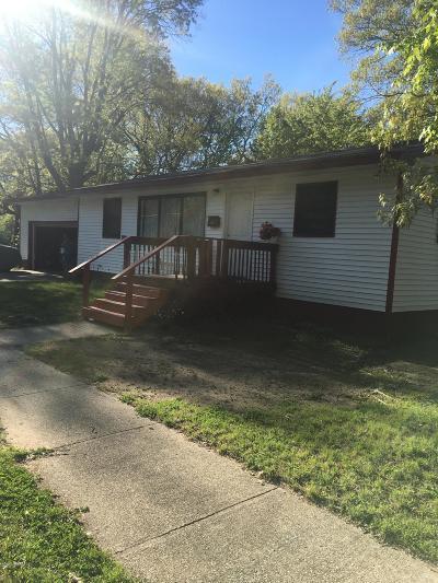 Muskegon Heights Single Family Home For Sale: 580 E Delano Avenue