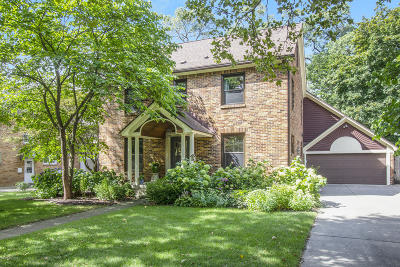 East Grand Rapids Single Family Home For Sale: 1055 San Lucia Drive SE