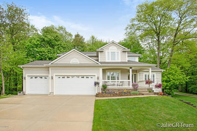 Spring Lake Single Family Home For Sale: 18106 Hammond Bay Drive