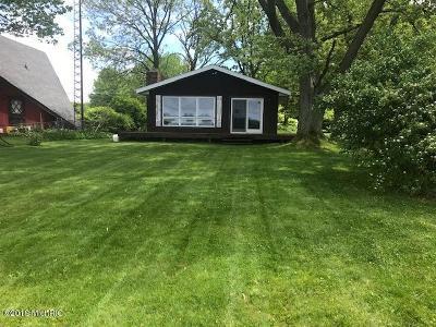 Dowagiac Single Family Home For Sale: 50198 E Lakeshore Drive