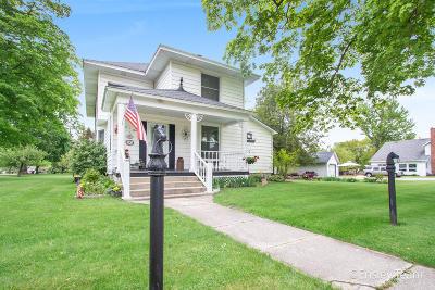 Howard City Single Family Home For Sale: 505 E Edgerton Street