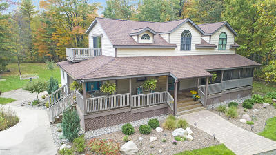 Muskegon County, Newaygo County, Oceana County, Ottawa County Single Family Home For Sale: 6959 Farr Road