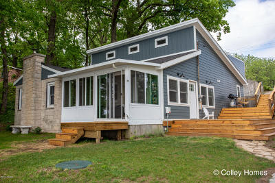 Delton Single Family Home For Sale: 326 Lakeside Drive