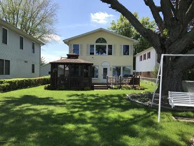 Edwardsburg Single Family Home For Sale: 68255 Christiana Drive
