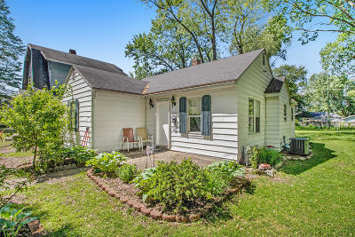 Niles Single Family Home For Sale: 1429 Sheridan Avenue