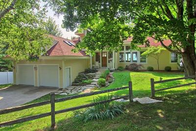 Bear Lake Single Family Home For Sale: 12768 Lakeview Road
