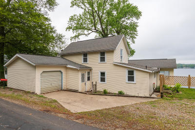 Delton Single Family Home For Sale: 861 Beechwood Point Drive