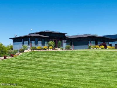 Hamilton Single Family Home For Sale: 4437 135th Avenue