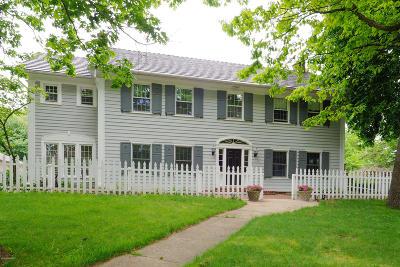 Kalamazoo Single Family Home For Sale: 2330 Midvale Terrace