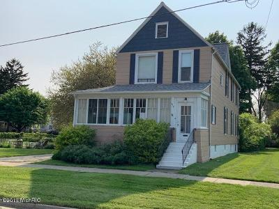 South Haven Single Family Home For Sale: 612 Indiana Avenue