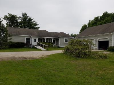 Twin Lake Single Family Home For Sale: 4750 Holton Road