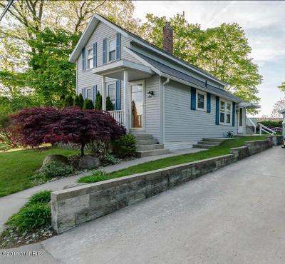 Muskegon Single Family Home For Sale: 3540 Fulton Avenue