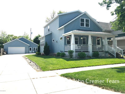 Grand Haven Single Family Home For Sale: 614 Fulton Street