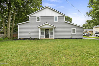 Single Family Home For Sale: 4618 Leonard Street