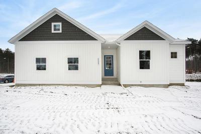 Muskegon Single Family Home For Sale: 2495 Odawa Trail