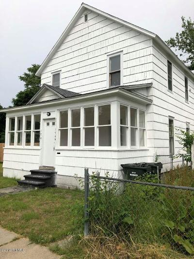 Muskegon Multi Family Home For Sale: 174 Strong Avenue