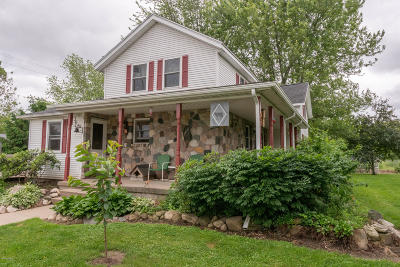 Berrien County, Branch County, Calhoun County, Cass County, Hillsdale County, Jackson County, Kalamazoo County, St. Joseph County, Van Buren County Single Family Home For Sale: 19544 26 Mile Road