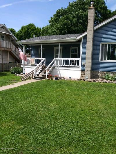 Marshall Single Family Home For Sale: 213 E Spruce Street