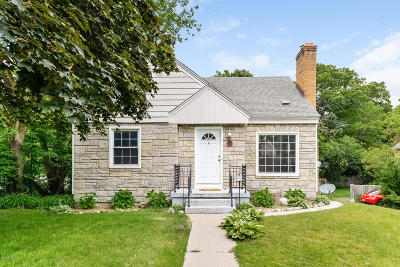 East Grand Rapids Single Family Home For Sale: 1851 Hall Street SE