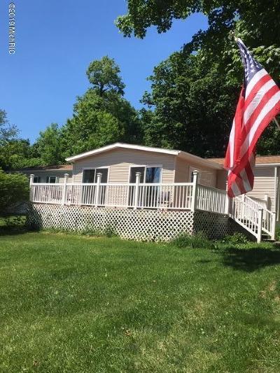 Cassopolis Single Family Home For Sale: 17426 Stevens Forest Lake Street