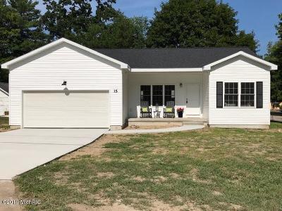 Newaygo Single Family Home For Sale: 15 N Fair Street