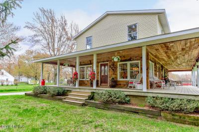 Norton Shores Single Family Home For Sale: 285 E Mt Garfield Road