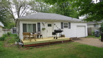 Plainwell Single Family Home For Sale: 328 Naomi Street