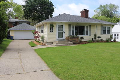 Grand Rapids MI Single Family Home For Sale: $205,000