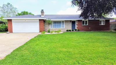 Benton Harbor Single Family Home For Sale: 237 Eloise Drive