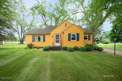 Allegan County Single Family Home For Sale: 4702 South Street
