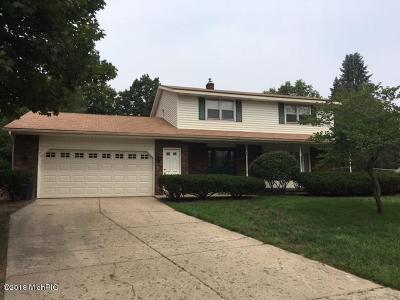 Single Family Home For Sale: 5050 Cedar Ridge Drive NE