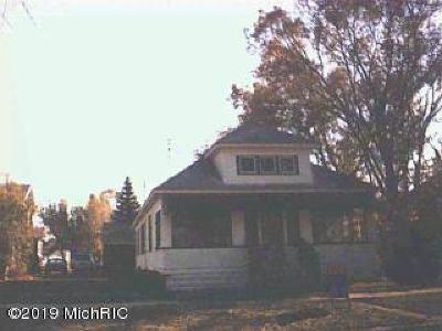 Muskegon Single Family Home For Sale: 1022 Kenneth Street