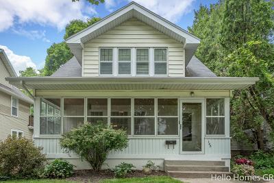 Grand Rapids MI Single Family Home For Sale: $215,000